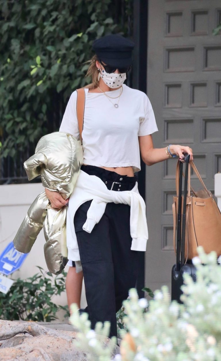 Alessandra Ambrosio Out in Los Angeles 02