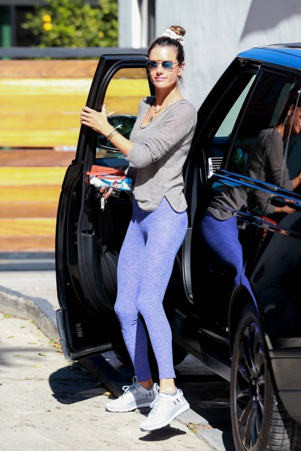 Alessandra Ambrosio Seen while arriving at a Pilates Studio in Los Angeles 03