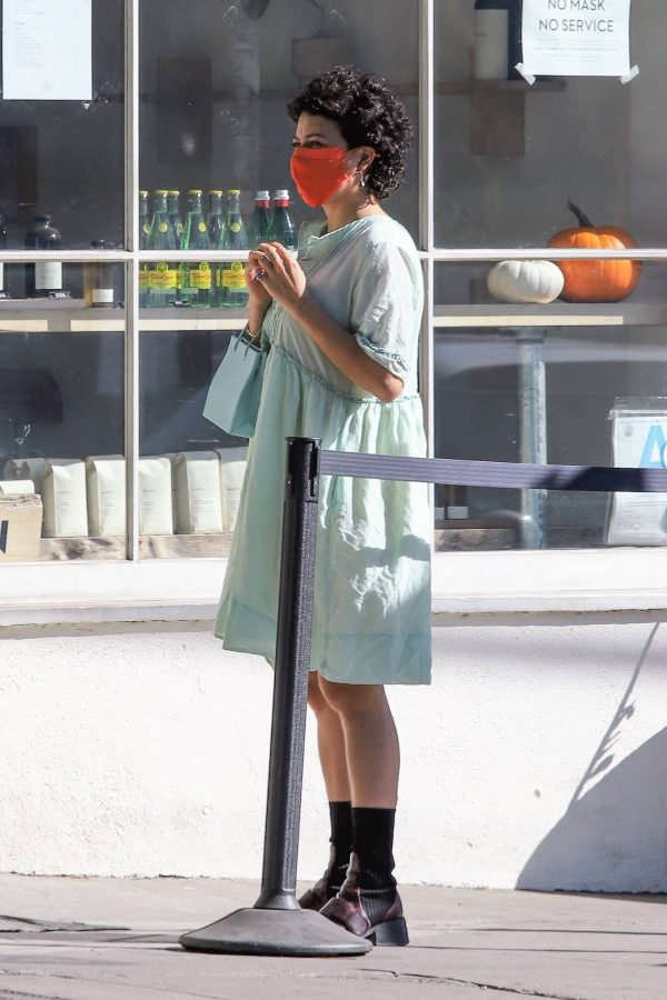 Alia Shawkat Running her errands around town in Los Angeles 01
