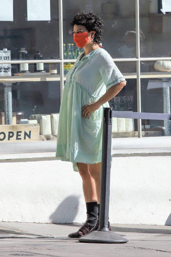 Alia Shawkat Running her errands around town in Los Angeles 07