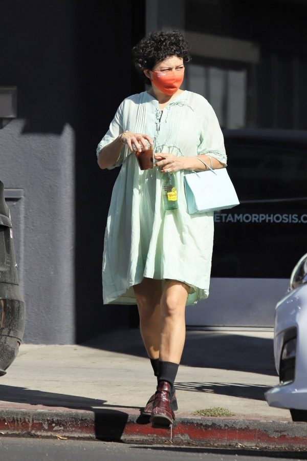 Alia Shawkat Running her errands around town in Los Angeles 10
