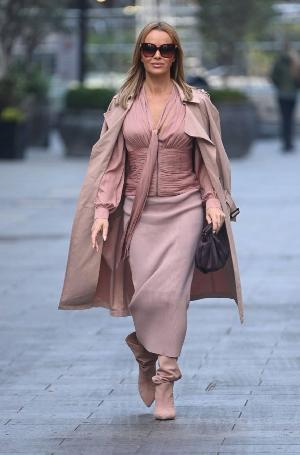 Amanda Holden Look stylish while leaving Global Studios in London 05