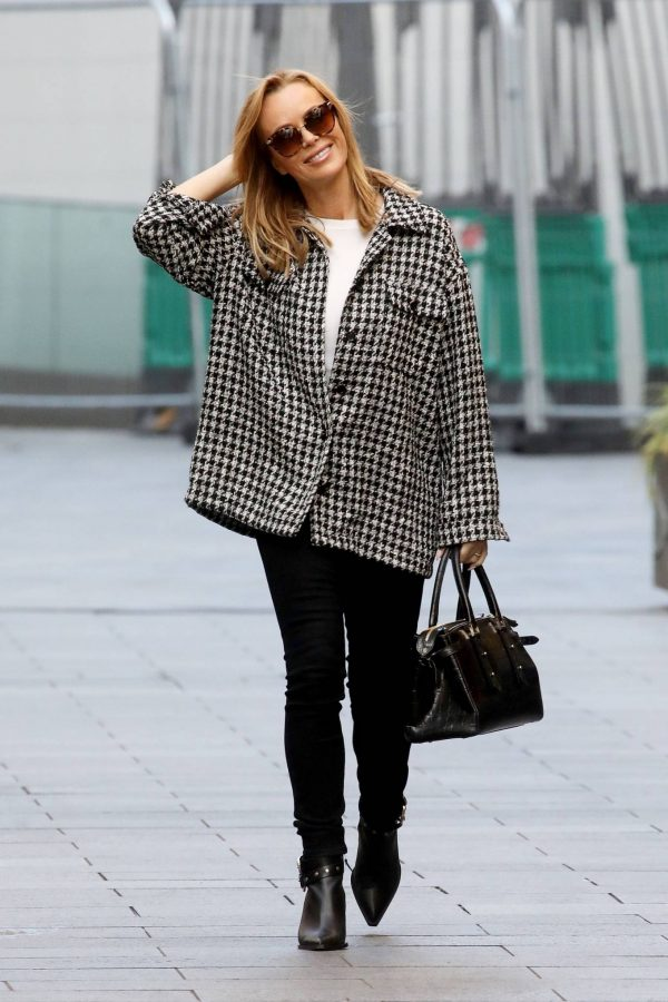 Amanda Holden Looks casual while leaving the Global Studios in London 07