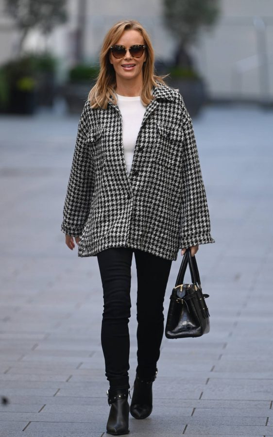 Amanda Holden Looks casual while leaving the Global Studios in London 08