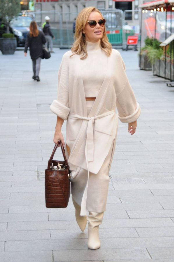 Amanda Holden spotted leaving Global Radio in London 01