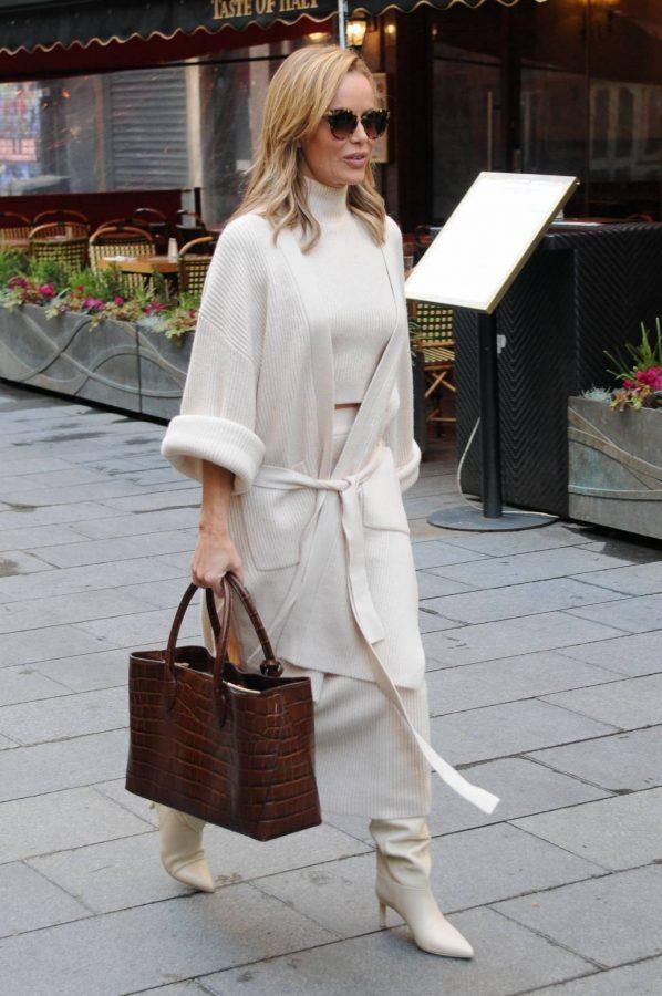 Amanda Holden spotted leaving Global Radio in London 04