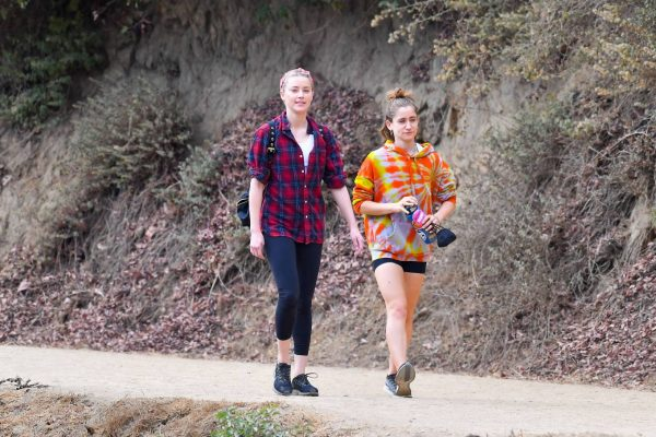 Amber Heard Out for a hike with a friend in Pasadena 01