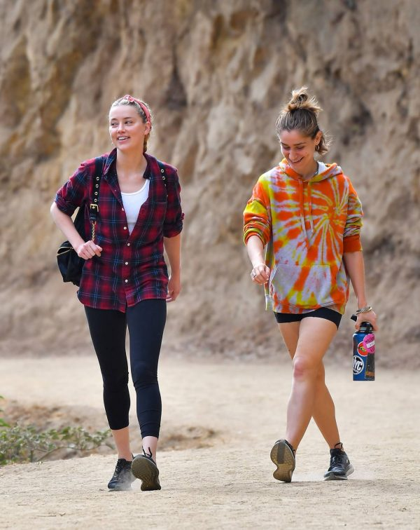 Amber Heard Out for a hike with a friend in Pasadena 10