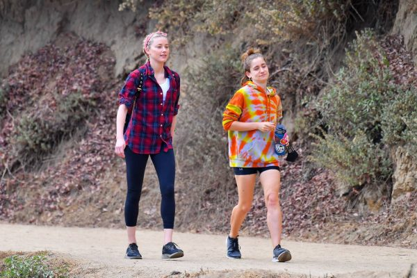 Amber Heard Out for a hike with a friend in Pasadena 20