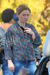Anna Paquin Modern Love set in Collins Park in Schenectady 03