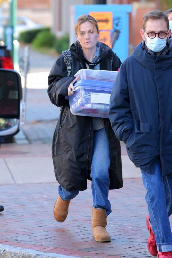 Anna Paquin On the set of Modern Love filming at Healthy Cafe in Schenectady 01
