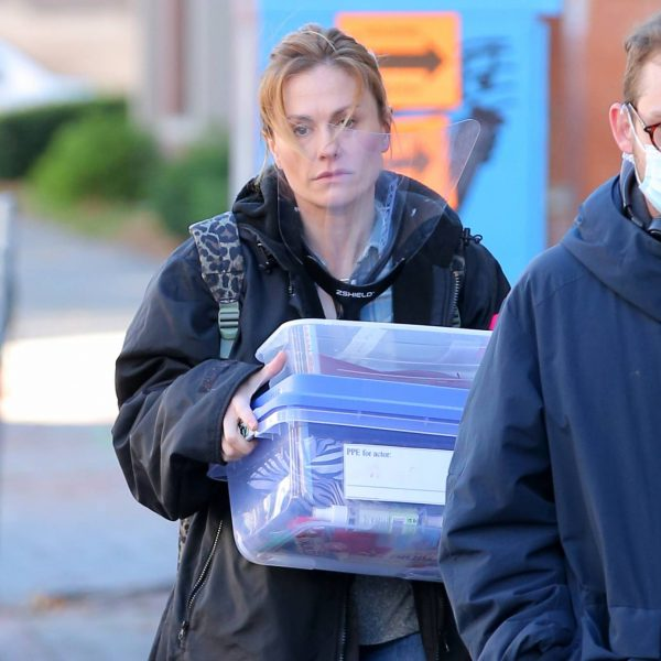 Anna Paquin On the set of Modern Love filming at Healthy Cafe in Schenectady 14