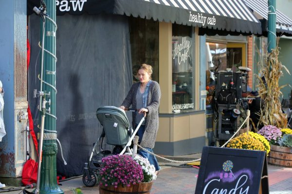 Anna Paquin On the set of Modern Love filming at Healthy Cafe in Schenectady 16