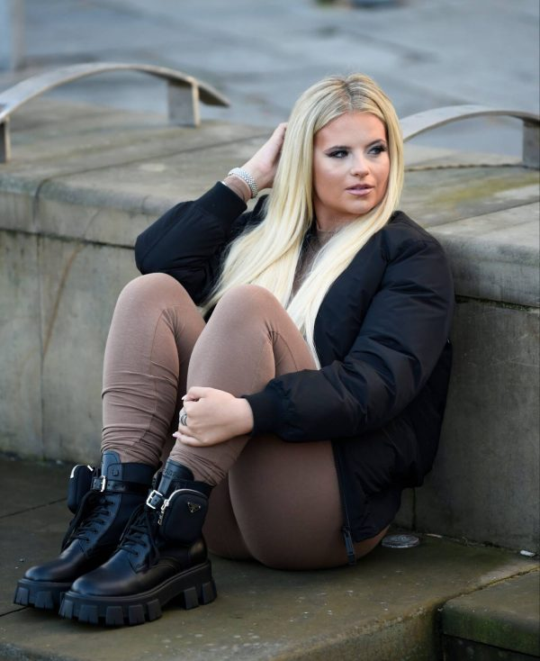 Apollonia Lllewelyn Ohotoshoot candids in Manchester City Centre in London 12