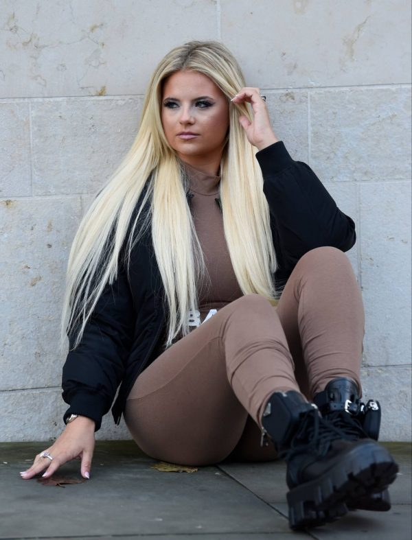 Apollonia Lllewelyn Ohotoshoot candids in Manchester City Centre in London 17