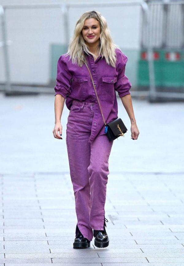 Ashley Roberts Leaving the Global Studios in London 01