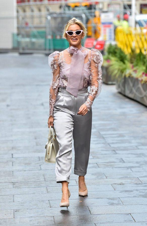 Ashley Roberts Looking stylish in London 03