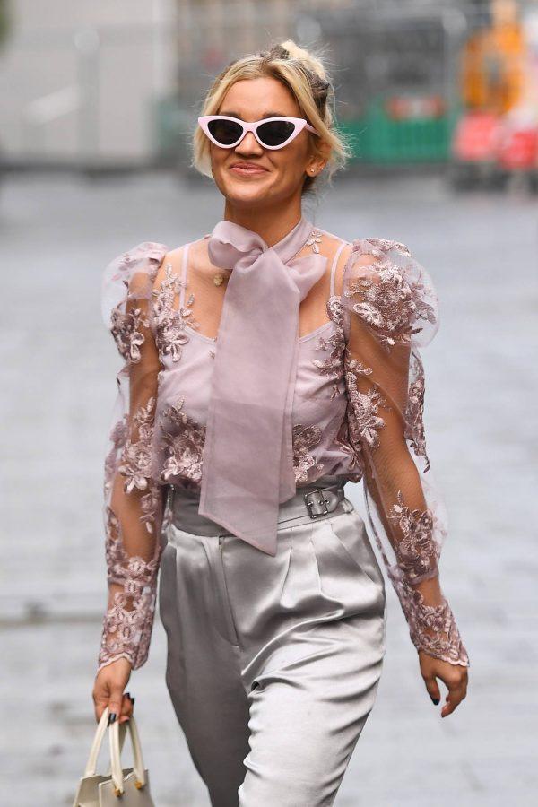 Ashley Roberts Looking stylish in London 08