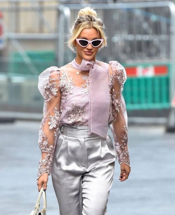 Ashley Roberts Looking stylish in London 10