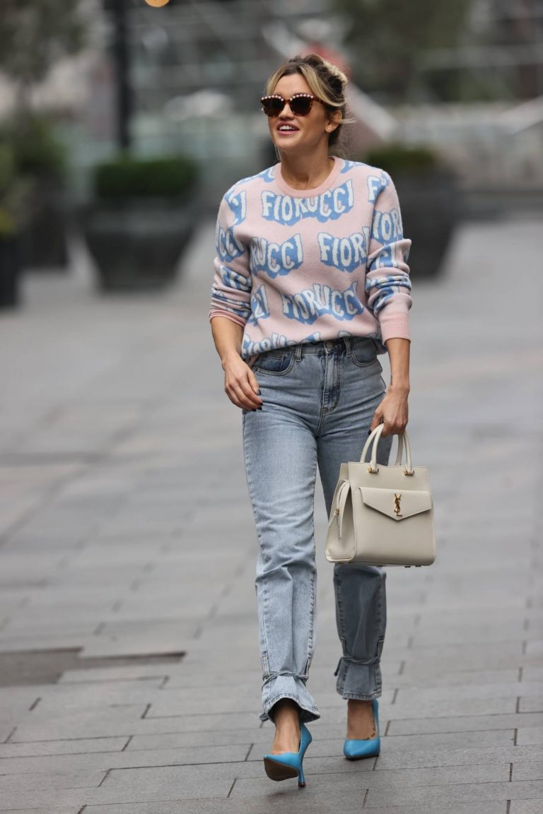 Ashley Roberts Pictured in denim at Heart radio show in London 01
