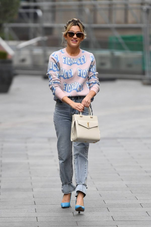 Ashley Roberts Pictured in denim at Heart radio show in London 05