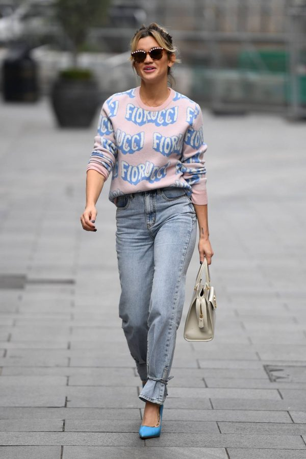 Ashley Roberts Pictured in denim at Heart radio show in London 07