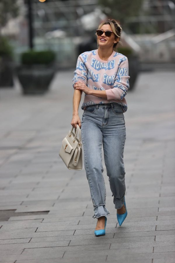 Ashley Roberts Pictured in denim at Heart radio show in London 08