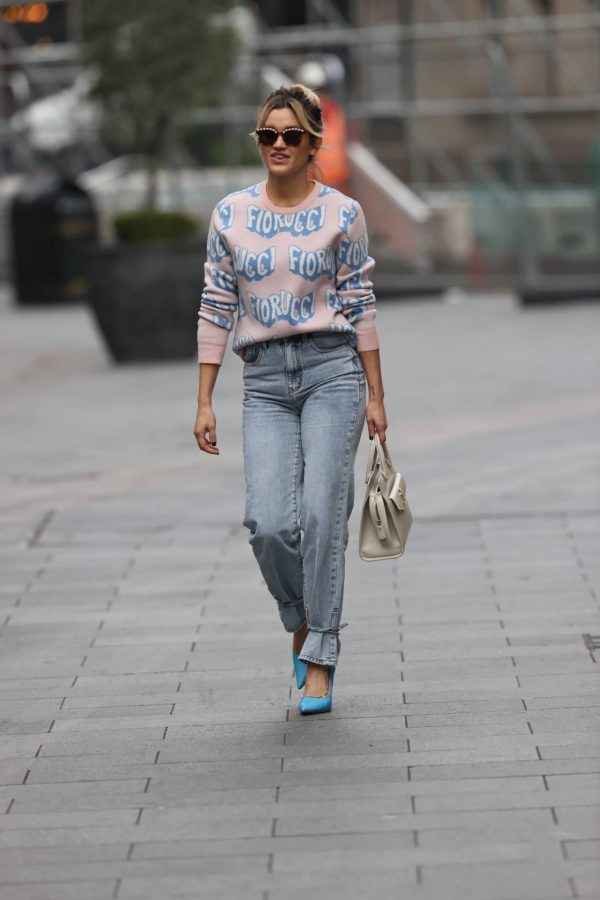 Ashley Roberts Pictured in denim at Heart radio show in London 10