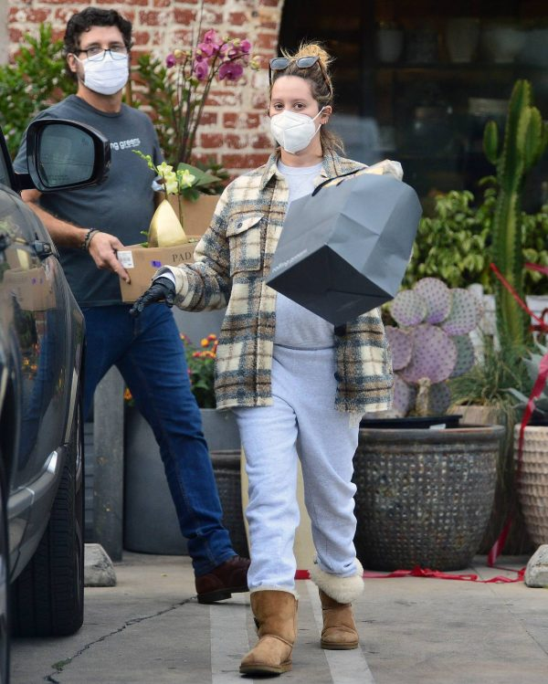 Ashley Tisdale Seen at rolling greens farm and garden store in Los Angeles 08