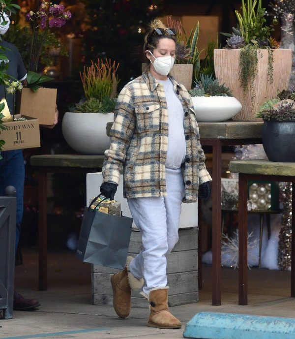 Ashley Tisdale Seen at rolling greens farm and garden store in Los Angeles 17