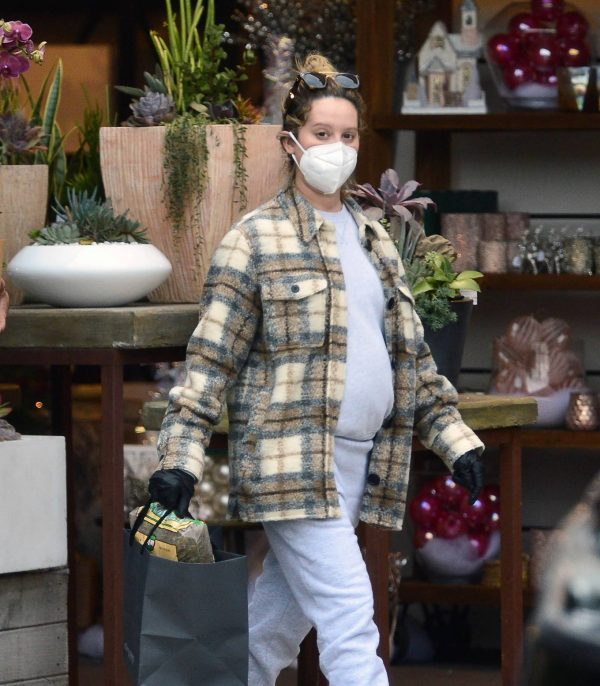 Ashley Tisdale Seen at rolling greens farm and garden store in Los Angeles 20