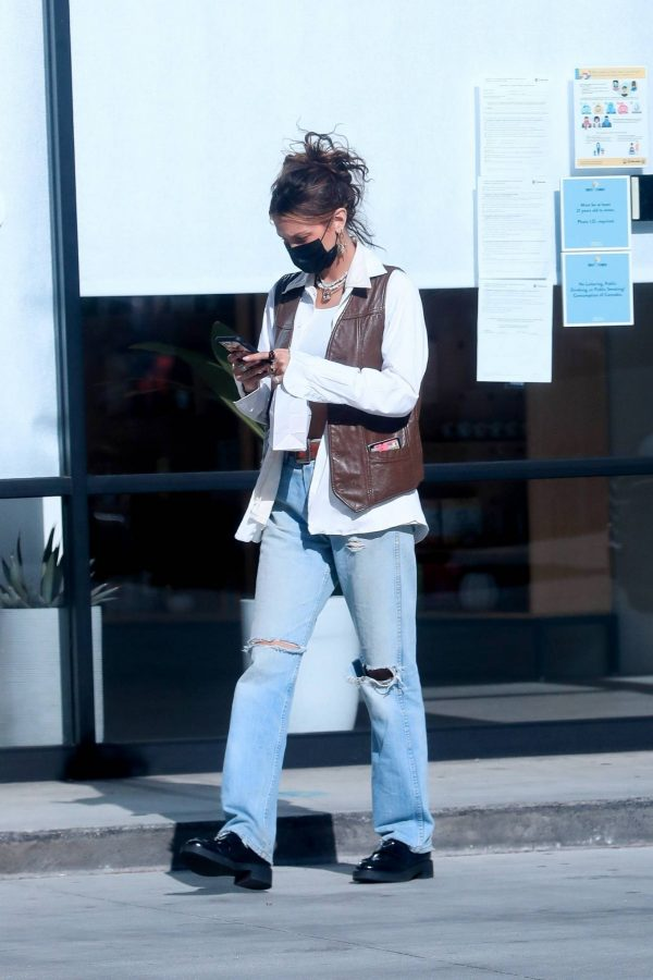Bella Hadid Shopping at Sweet Flower Cannabis store in Studio City 07