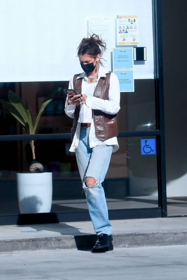 Bella Hadid Shopping at Sweet Flower Cannabis store in Studio City 08