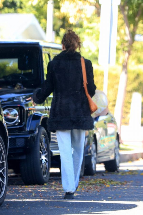 Bella Hadid leaves a friends house in Beverly Hills 07