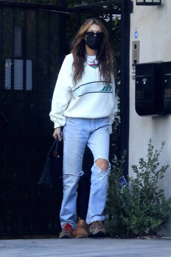 Bella Hadid spotted leaving a studio after a meeting in Los Angeles 01