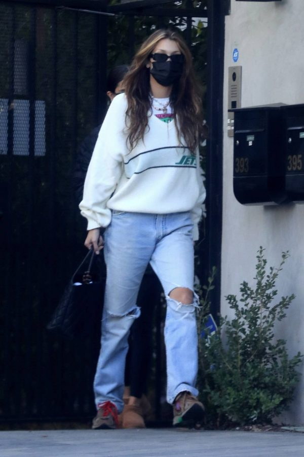 Bella Hadid spotted leaving a studio after a meeting in Los Angeles 08
