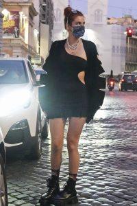 Bella Thorne Halloween shopping spree in Rome 08