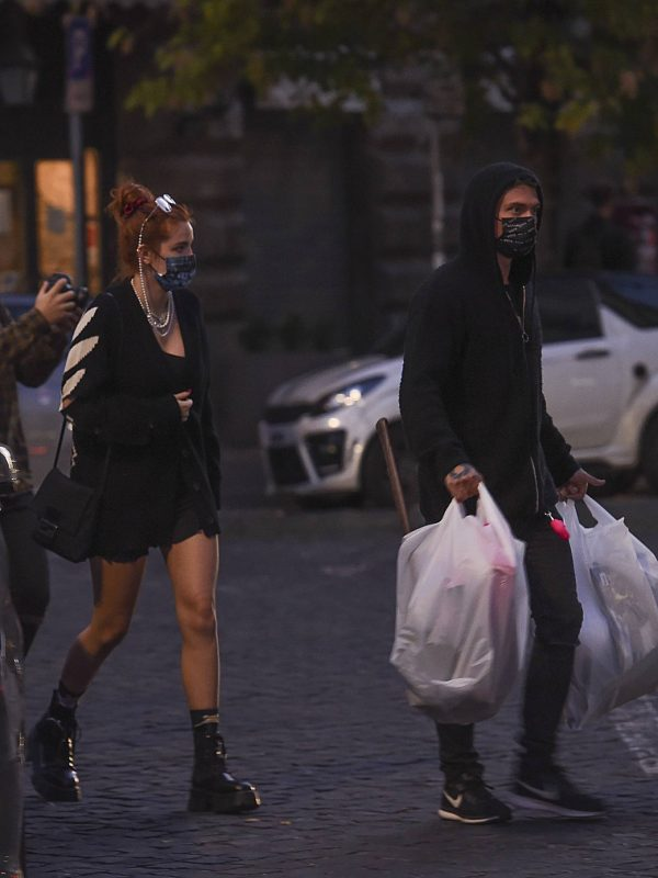 Bella Thorne Halloween shopping spree in Rome 20