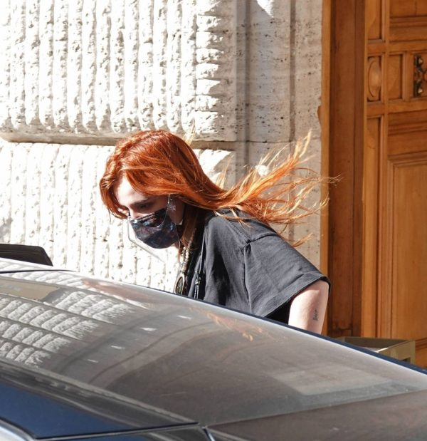 Bella Thorne Seen leaving her hotel in Rome 14 1