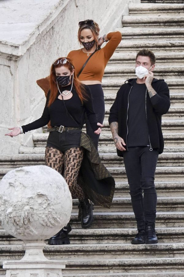 Bella Thorne on PDA with boyfriend singer Benjamin Mascolo in Rome 04