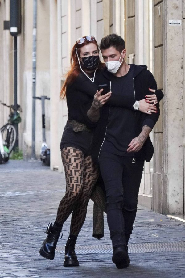 Bella Thorne on PDA with boyfriend singer Benjamin Mascolo in Rome 10