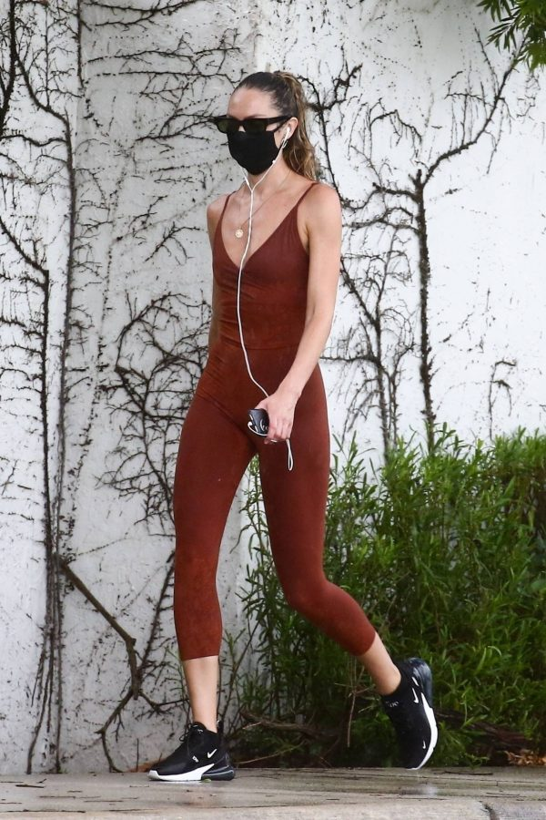 Candice Swanepoel Jogging candids in Miami 11