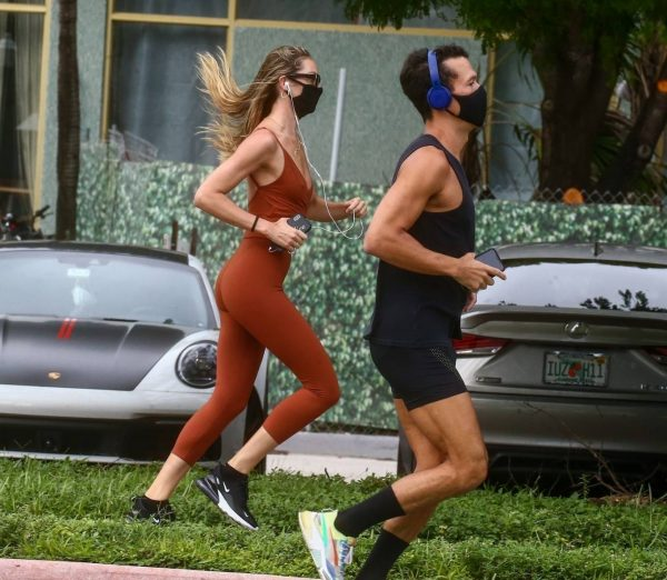 Candice Swanepoel Jogging candids in Miami 33