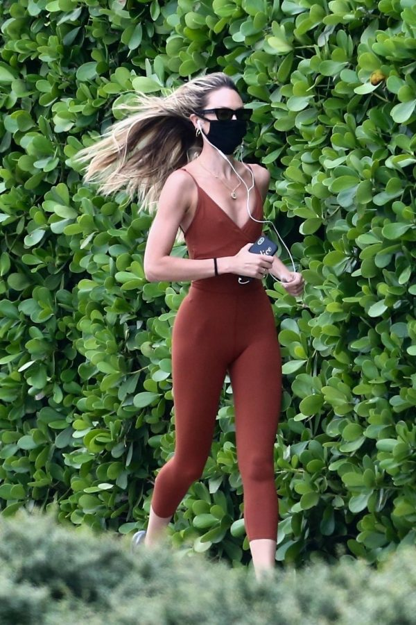 Candice Swanepoel Jogging candids in Miami 36