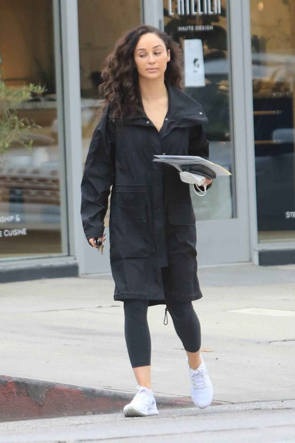 Cara Santana Running errands in West Hollywood 19