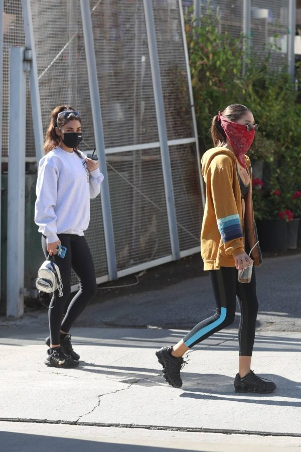 Chantel Jeffries Seen after workout with a friend at DogPound in Los Angeles 08