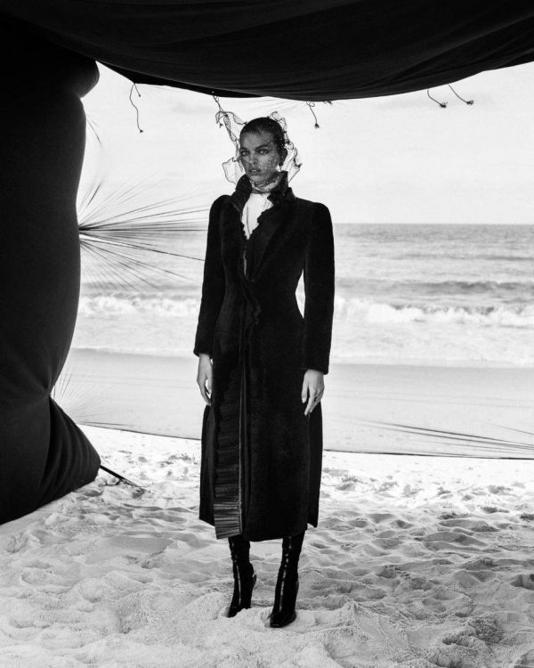 Daphne Groeneveld Harpers Bazaar Russia November 2020 02