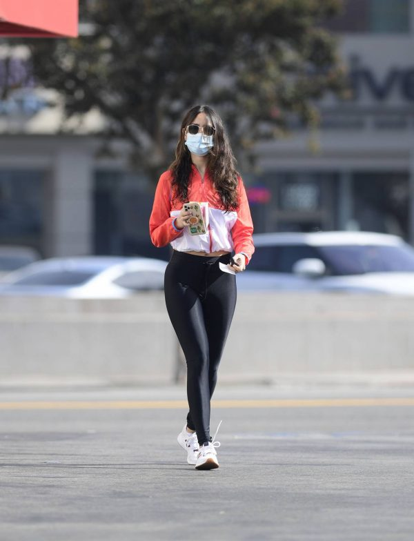 Eiza Gonzalez Spotted while out for a coffee in Los Angeles 09
