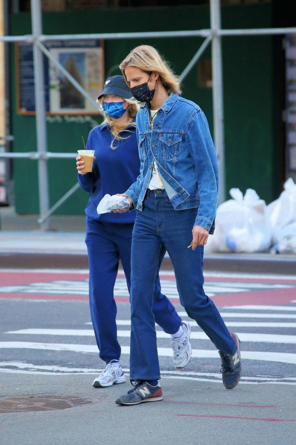 Elsa Hosk Seen while out for a morning coffee in Soho 16