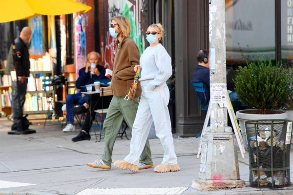 Elsa Hosk with her husband seen after having lunch at the Smile in New York 22